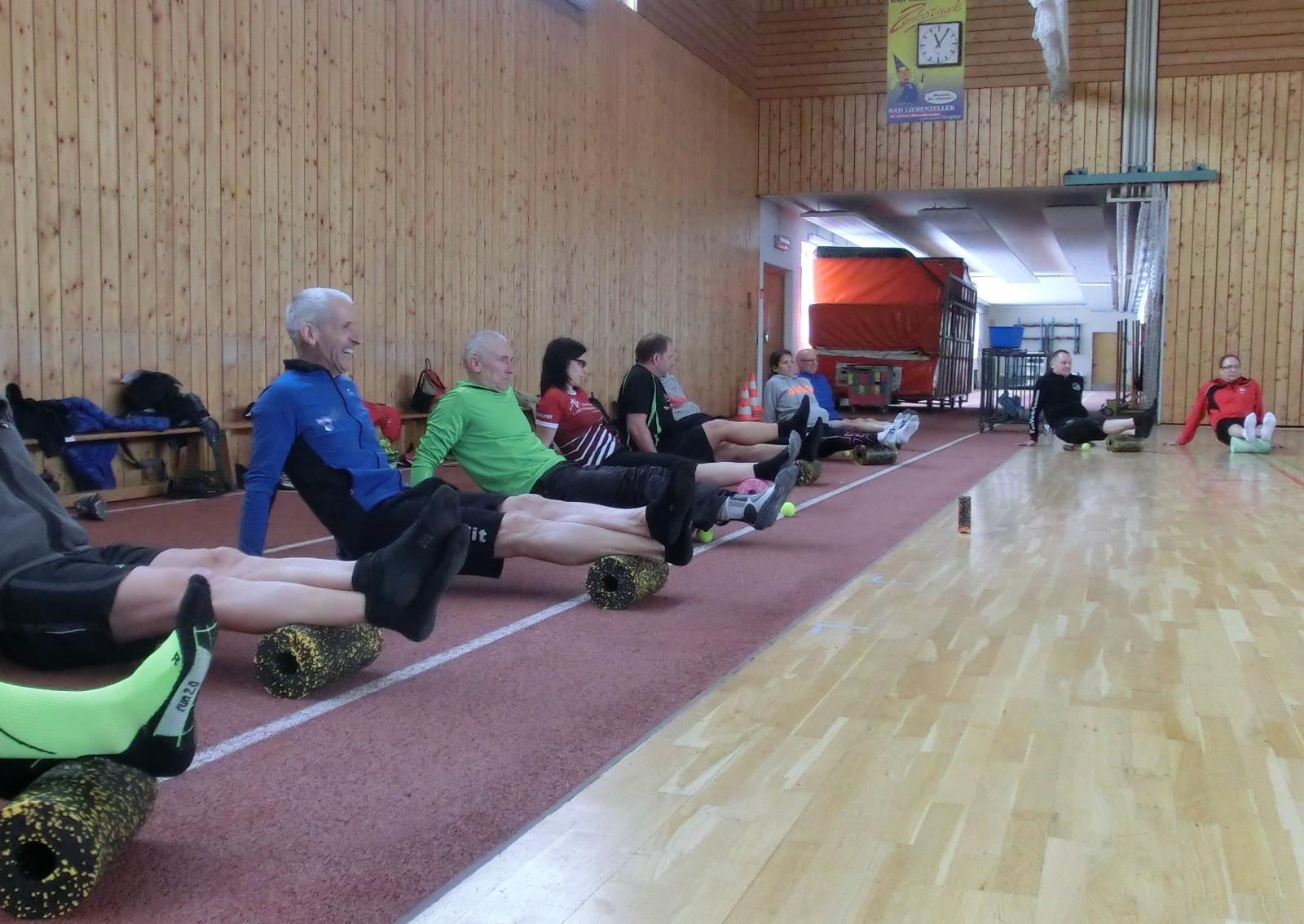Auch Faszientraining mit der Blackroll stand auf dem Programm der Trainerfortbildung.