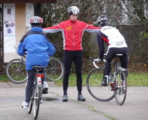 Beim Radfahren standen auch Übungen zur Fahrsicherheit auf dem Programm.