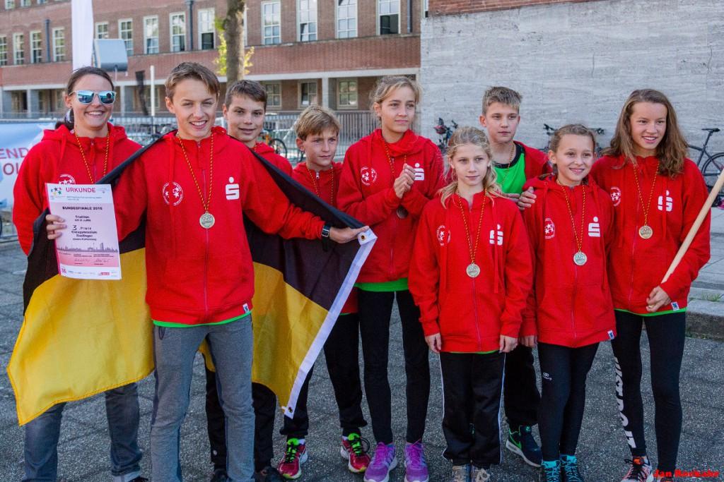Die Schülerinnen und Schüler vom Kreisgymnasium Riedlingen belegten beim Bundesfinale JUGEND TRAINIERT FÜR OLYMPIA den dritten Platz. (Foto: DTU/Jan Rockahr)